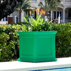 Novo Oxford 20 Inch Tall UV and Mold Resistant Commercial Planter