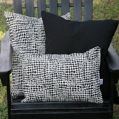 Black Dots Outdoor Pillow Set