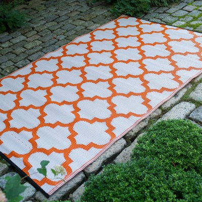 Tangier Carrot and White Outdoor Mat
