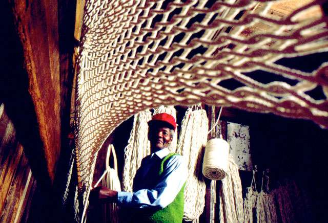 pawleys island hammock weaver pawleys island hammock weaver 2 - Pawleys Island Hammock